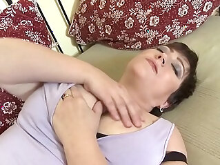 mom with very thirsty vagina more video