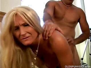 Glamorous grandma enjoys a sloppy rimjob