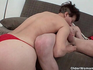 Moms pussy lips feel so good around your cock