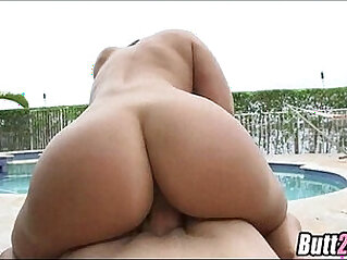 Nice booty Val