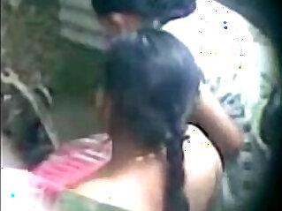 Desi aunty taking bath PornTube Desi