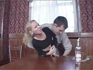 M f Tina chateau table