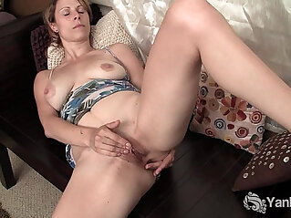 Sexy Harley Fingering Pussy And Ass