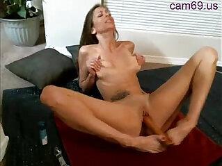 Webcam slut masturbate and squirt orgasm
