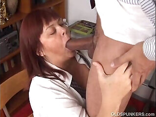 Big tits mature loves to suck cock