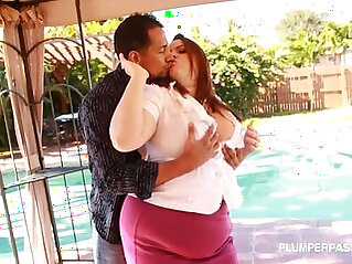 Busty Plump Real Estate Agent Buxom Bella