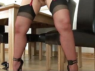 Mature lingerie slut fuck machine