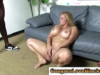 Cougar plumper gets interracial cumshot